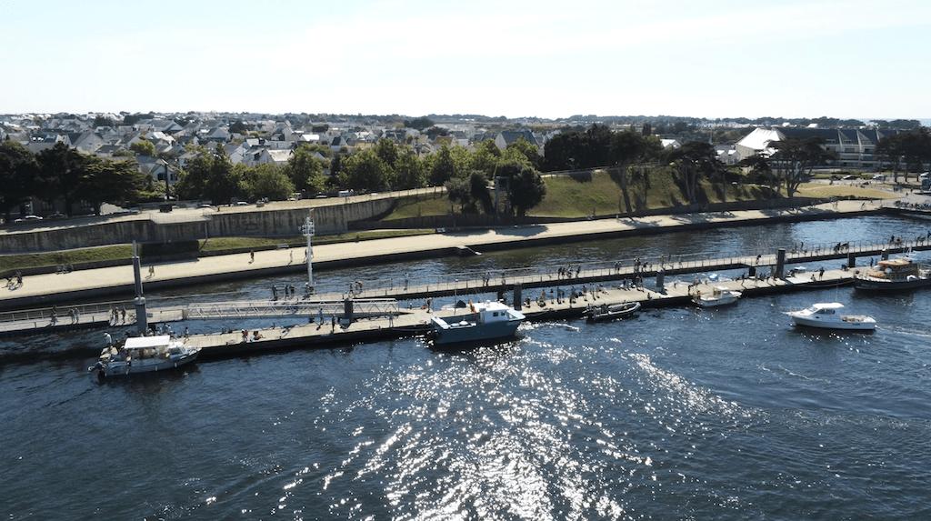 Stationnement des bateaux à l'estacade